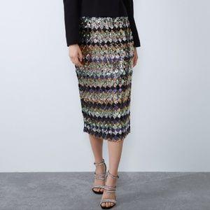 Zara • NWT Sequined Mini Skirt Sz L